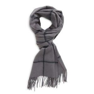 Nordstrom grey 100% cashmere scarf